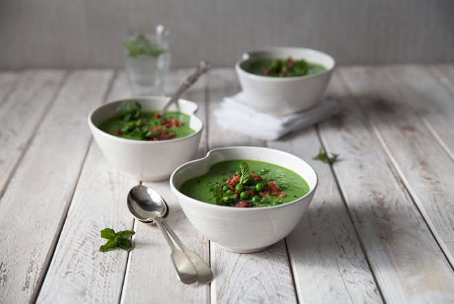 pea and mint soup with crispy bacon