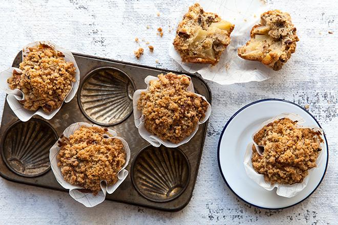 Pretty amazing apple strudel muffins - Yuppiechef Magazine